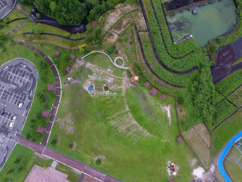 公園を上空から撮影した写真